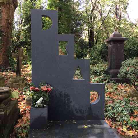 Patrick Caulfield's grave, Highgate Cemetery