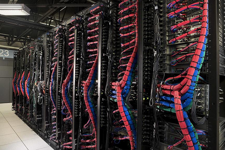 servers_backcables1.jpg