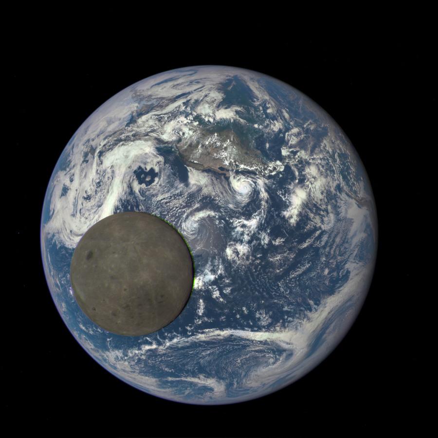 2015_epic_earthmoonstill.jpg