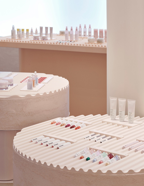 glossier-flagship-store-new-york-by-gachot-studios-pro-yellowtrace-05.jpg