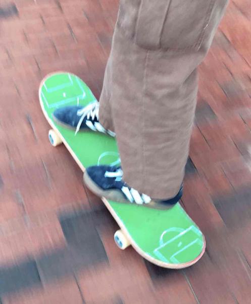 Soccer skateboard