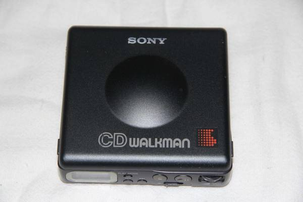 Sony D-82