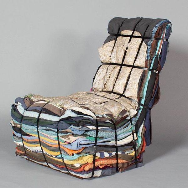 """Bland gamla trasor känner man sig sällan ensam. """"Rag Chair"""" av Tejo Remy. Mått ca H. 88 cm, l. 69 cm, h. 70 cm. ____________..."""