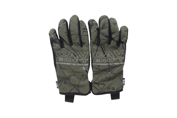 cav-empt-touch-sensitive-gloves-1.jpg?quality=95-w=1024