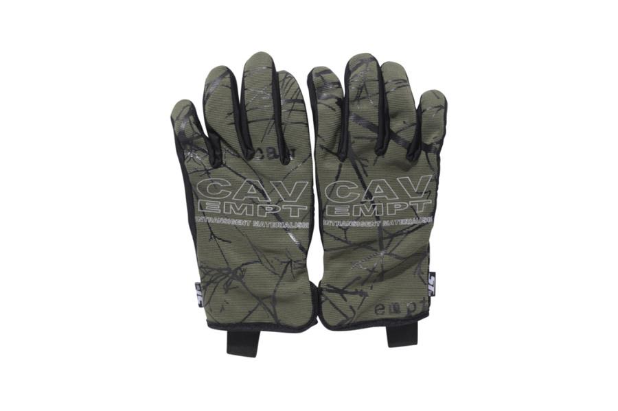 cav-empt-touch-sensitive-gloves-1.jpg?quality=95-w=1024
