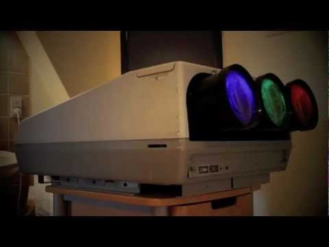 This is a preview of my CRT projector. The projector is build by Barco in 1992. The name of the product is the Barco Graphics 801. Despite this projector is form 1992, it is capable of showing HD-content up to 1080p. Since the bandwidth of this CRT projector is limited, 1080i gives a sharper image.