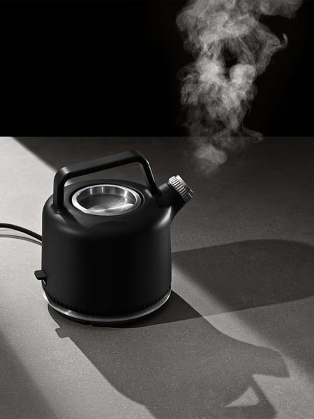 vipp-electric-kettle-2.jpg