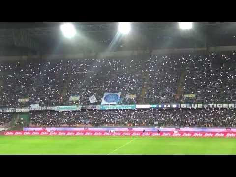 Ultimo saluto del San Paolo a Pino Daniele, Napoli e Juventus entrano in campo sulle note di Napul'è cantata da tutto il popolo di Fuorigrotta