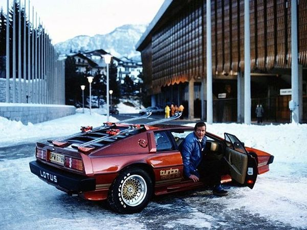 Current state of NYC. | Lotus Esprit Turbo, Roger Moore, For Your Eyes Only (1981). PC: ??? Via: @motoringtitude