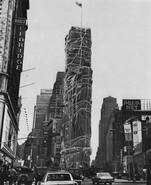 Wrapped Building no. 1, Christo, 1968