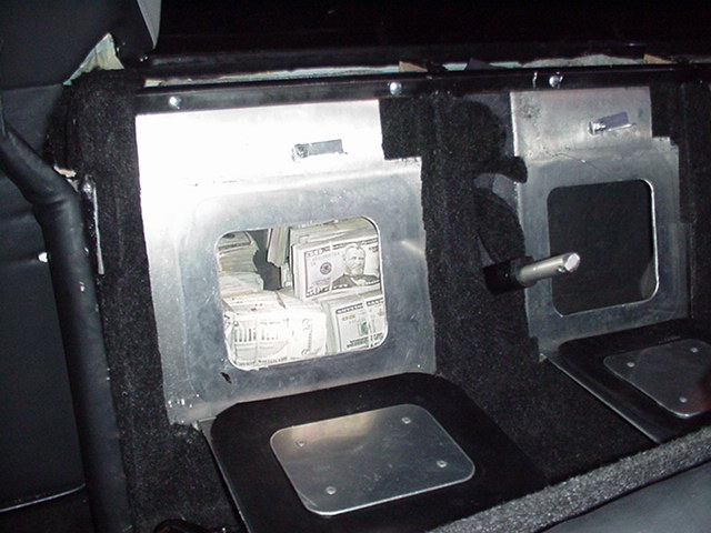 trap_compartment_inside_limo_owned_by_bmf_-_black_mafia_family.jpg