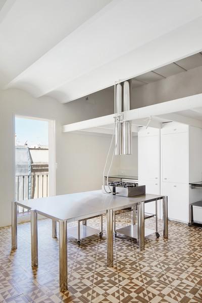 penthouse-pmaa-interiors-residential-apartments-barcelona-spain_dezeen_2364_col_21.jpg