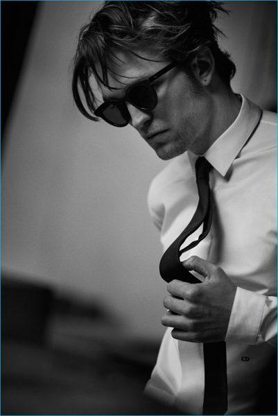 robert-pattinson-2016-dior-homme-photo-shoot-001-800x1197.jpg