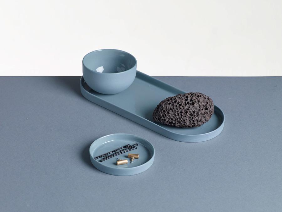 Tri, a porcelain set of three