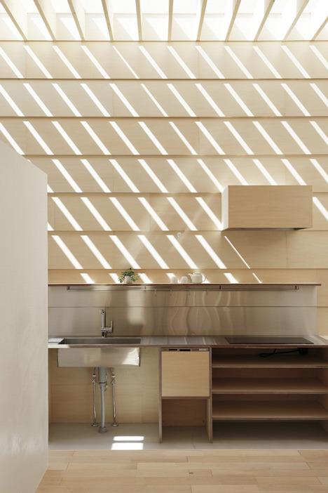 dezeen_Light-Walls-House-by-mA-style-architects_12.jpg