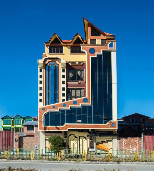 freddy-mamani-new-andean-architecture-el-alto-bolivia_mattia-polisena_dezeen_3.jpg
