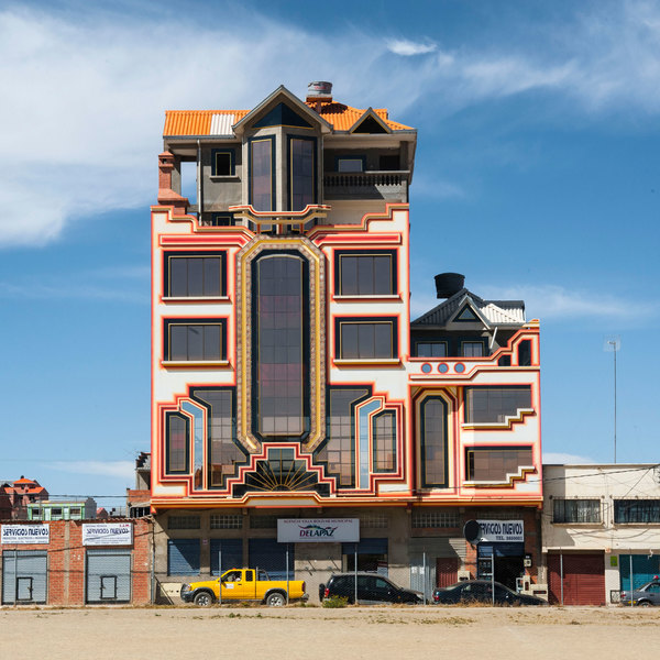 freddy-mamani-new-andean-architecture-el-alto-bolivia_mattia-polisena_dezeen_sq.jpg