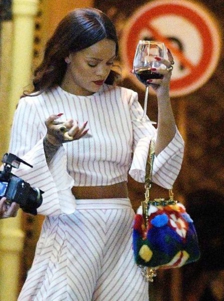 rihanna-wine-best-wine-photos-funny-rihanna-fashion-drinking-wine-glass-accessory-1234kyle5678-4.jpg