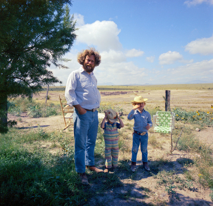 donald-judd-rainer-judd-and-flavin-judd-marfa-tx-in-1972.-image-judd-foundation.jpg