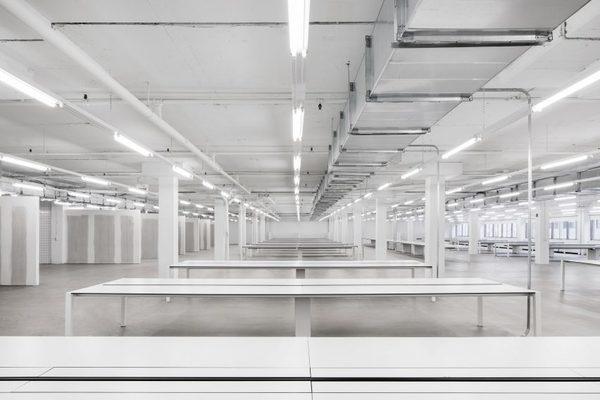 ssense-atelier-barda-offices-interiors-montreal-canada-_dezeen_2364_col_6-852x568.jpg