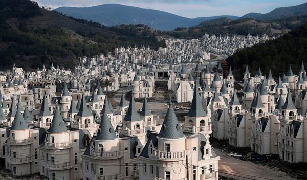 turkish-chateau-burj-al-babas-turkey_dezeen_1704_col_1.jpg