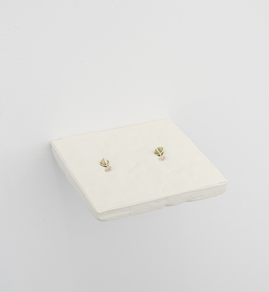 2015.05 Anna-Sophie Berger : Frieze, New York, pea earrings, 2015