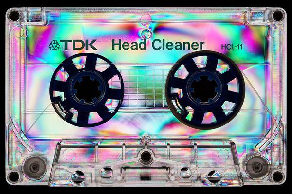 1920px-photoelasticity_-_tdk_head_cleaner_-_black_background.jpg