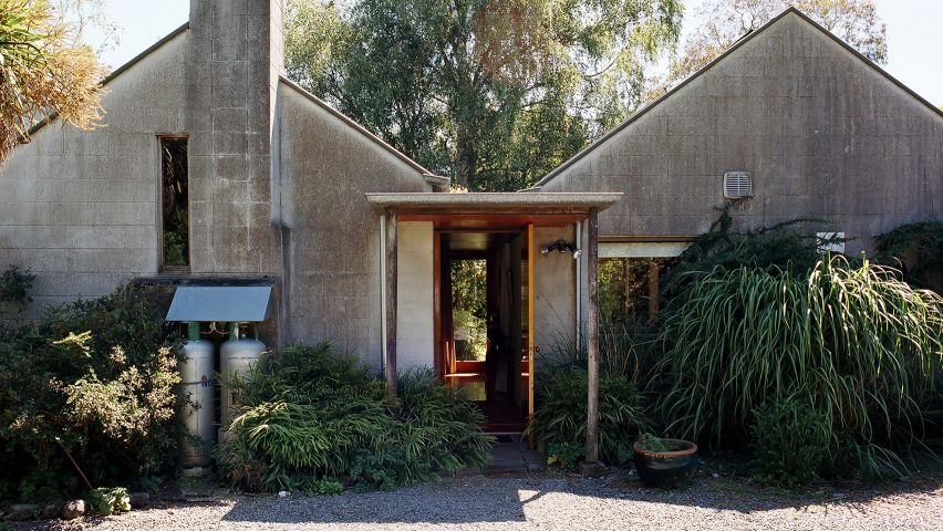 werry-francis-houses-john-scott-modernist-architecture-new-zealand-mary-gaudin-photography_dezeen_1704_hero1-852x480.jpg