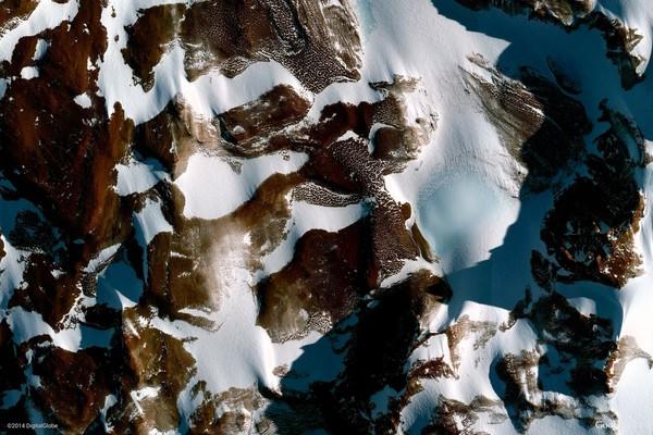 https://earthview.withgoogle.com/antarctica-1010
