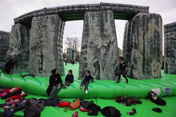 bouncy-stonhenge.jpg-f=1