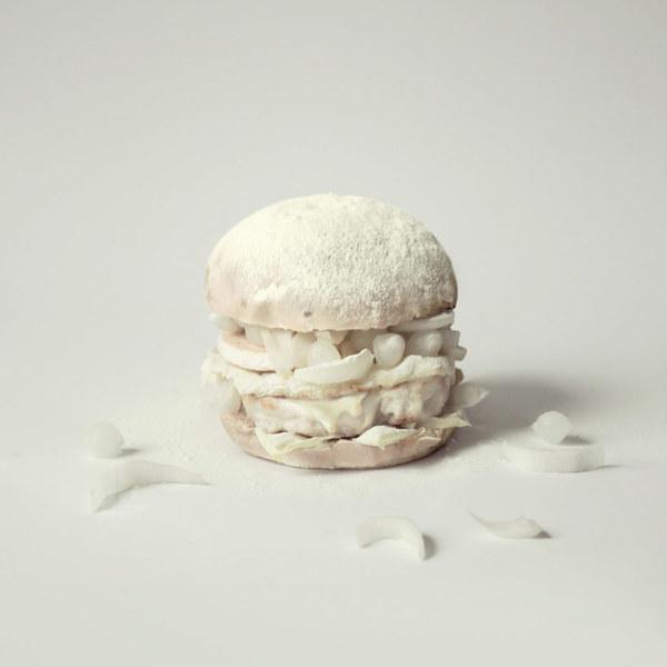 mouth-watering-photos-of-the-luxurious-fat-furious-burgers-designboom-04.jpg