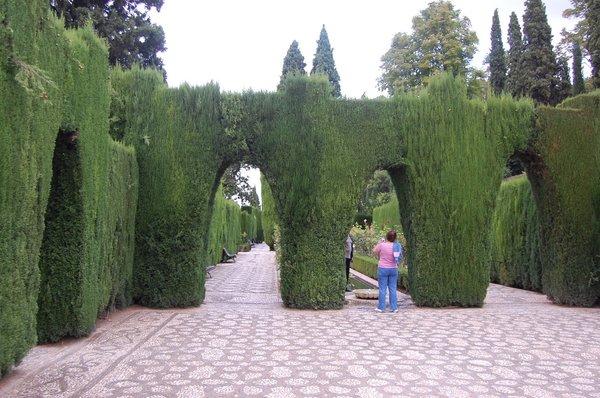 2008_09_23_spain_granada_alhambra_generalife_lower_gardens-3.jpg