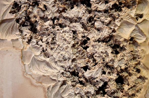 laurence-de-leersnyder-relief-en-creux-detail-1373x910.jpg