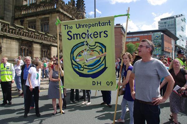 unrepentant-smokers.jpg