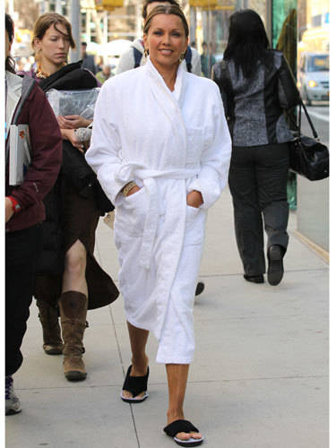 vanessa-williams-in-a-bathrobe.jpg