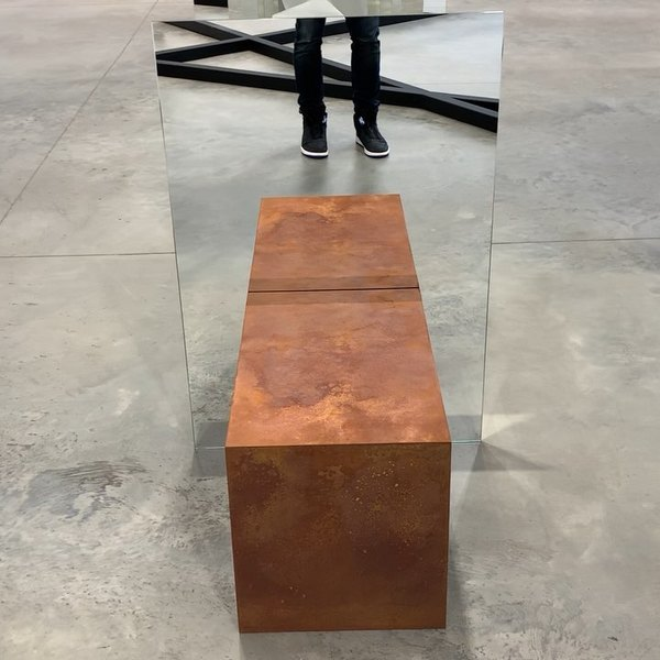 #AlicjaKwade at @303gallery = Objects of equal mass with mirrors in between. The middle is a real boulder that is mathematic...