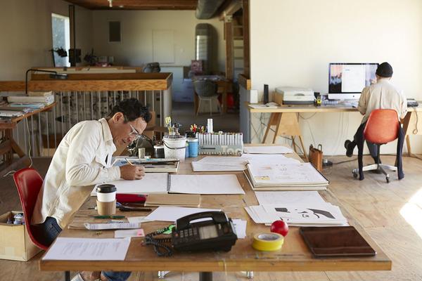 geoff-mcfetridge-aiga-where-designers-work16.jpg