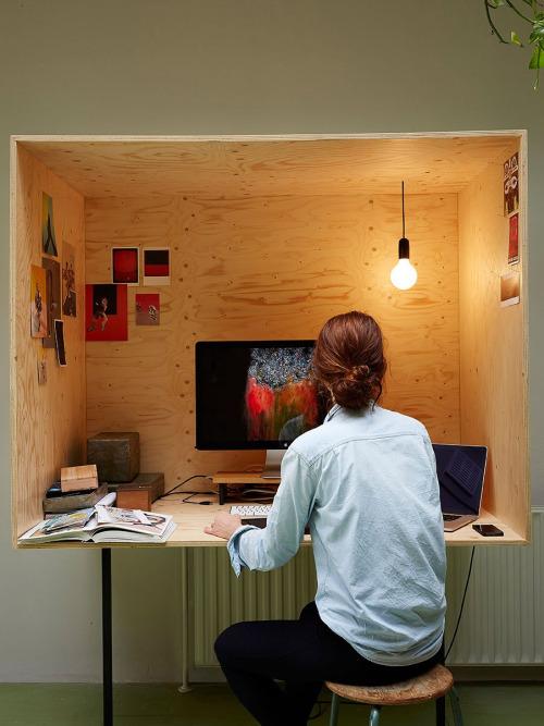 cube desk