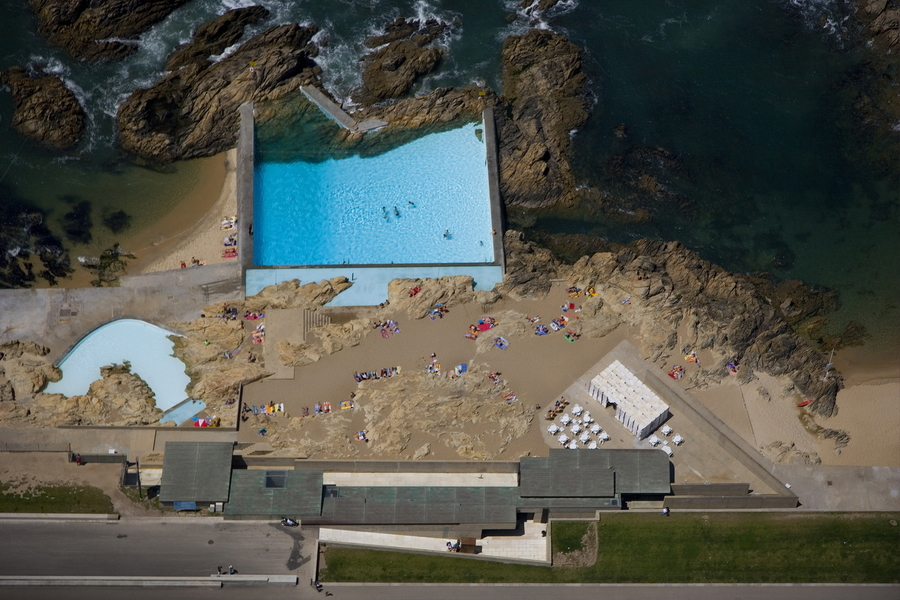 Alvaro Siza's Pool On The Beach — Banded Purple