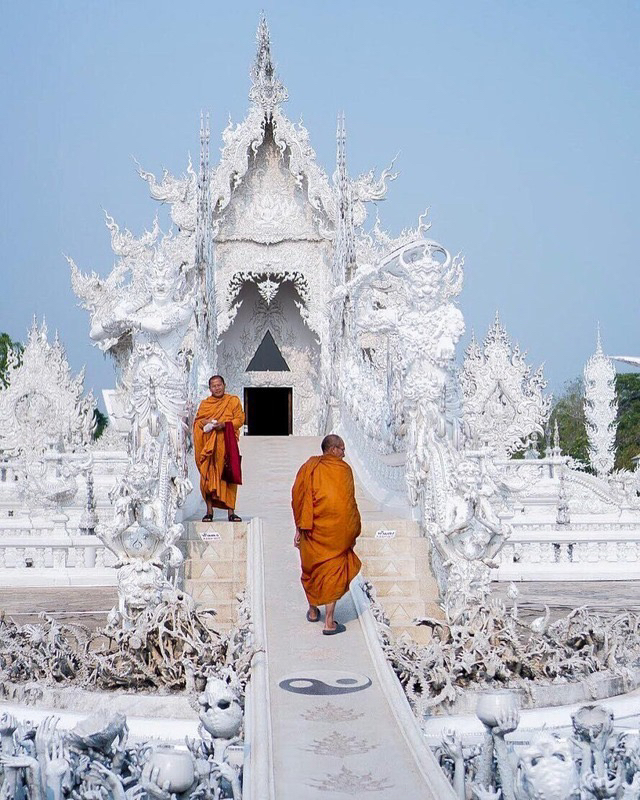 Wat Rong Khun - The White temple Chiang Rai, Thailand (via Instagram: jordisark)