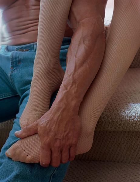 rodland_stockings_jeans_and_carpeted_stairs_13.jpg