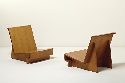 Frank-Lloyd-Wright-Low-Lounge-Chair.jpg