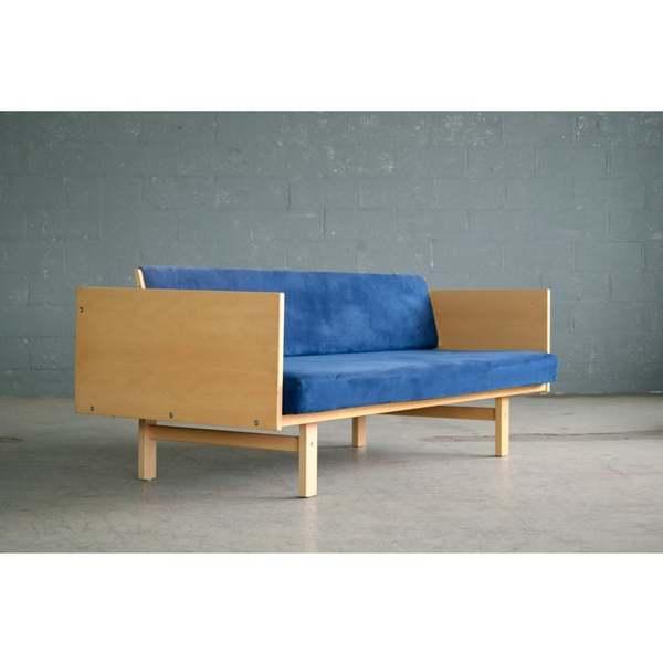 danish-modern-hans-wegner-daybed-model-259-in-beech-for-getama-9483?aspect=fit-width=640-height=640