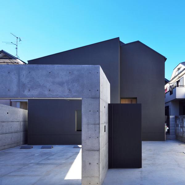 house-of-fluctuations-satoru-hirota-architects-architecture-tokyo-japan-residential_dezeen_sq.jpg