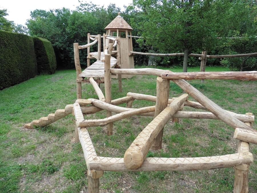 balance-games-in-rustic-garden-adventure-trail.jpg