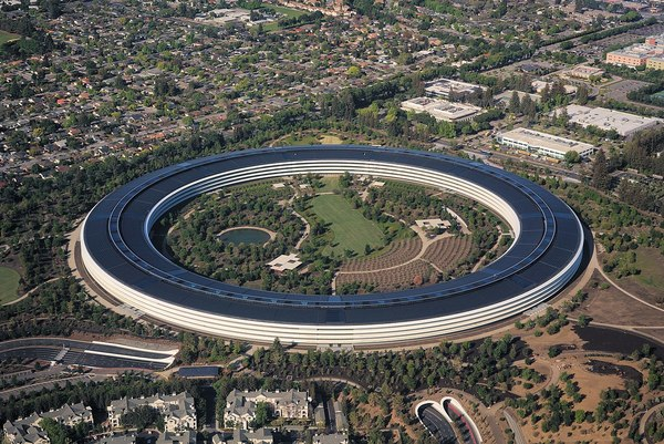 1200px-aerial_view_of_apple_park_dllu.jpg