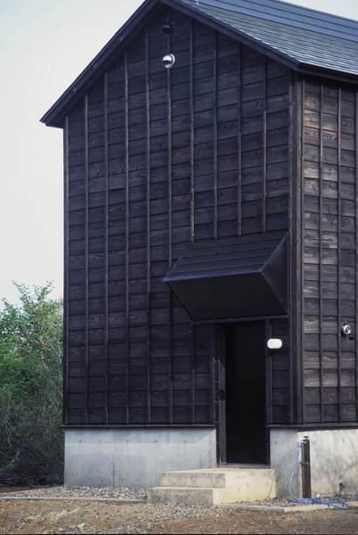 thisispaper_cottage_in_tsumari_daigo_ishii_future_scape_architects.jpg