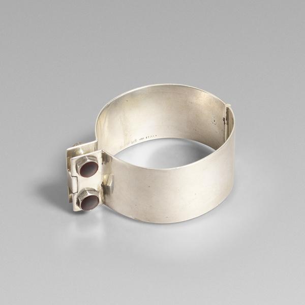 637_1_objet_june_2019_gucci_silver_cuff__wright_auction.jpg?t=1559831097