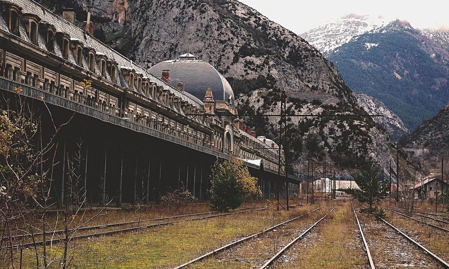 Canfranc-railway-station.-009.jpg