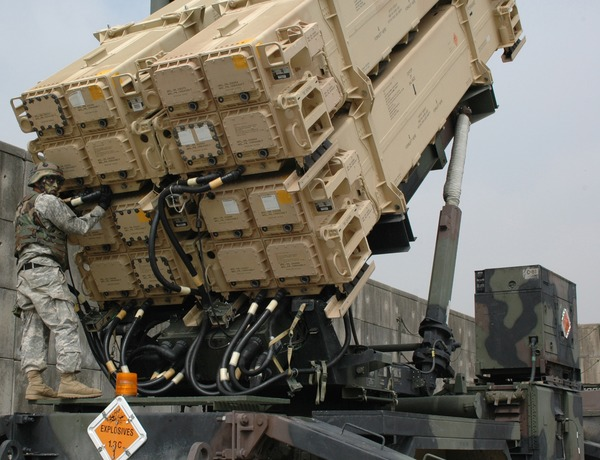 Maintenance_check_on_a_Patriot_missile.jpg